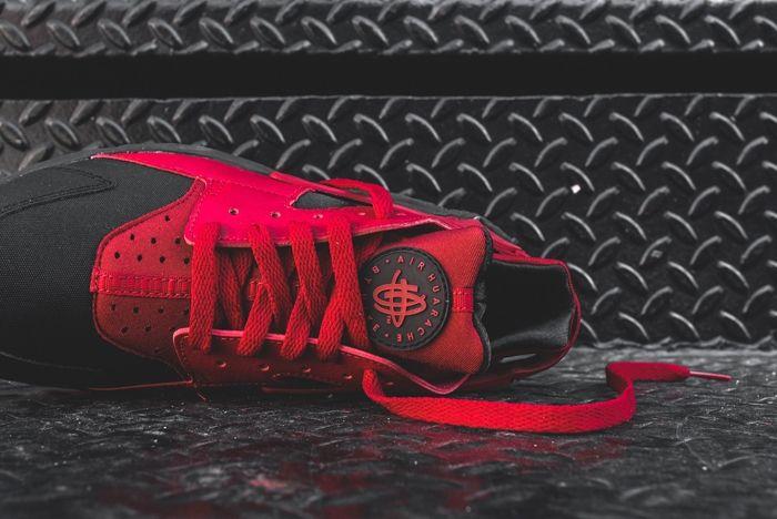 Nike Huarache Black Gym Red Kith Bump 2