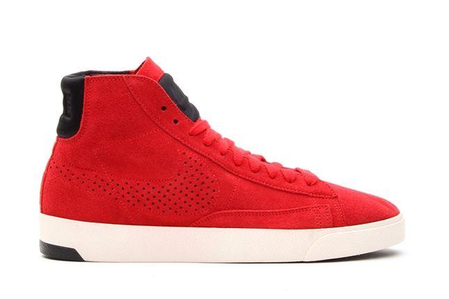 Nike Blazer0Lux Unired Black Profile 1