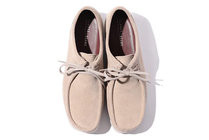 Beams Clarks Wallabee Low Gore Tex Beige Top