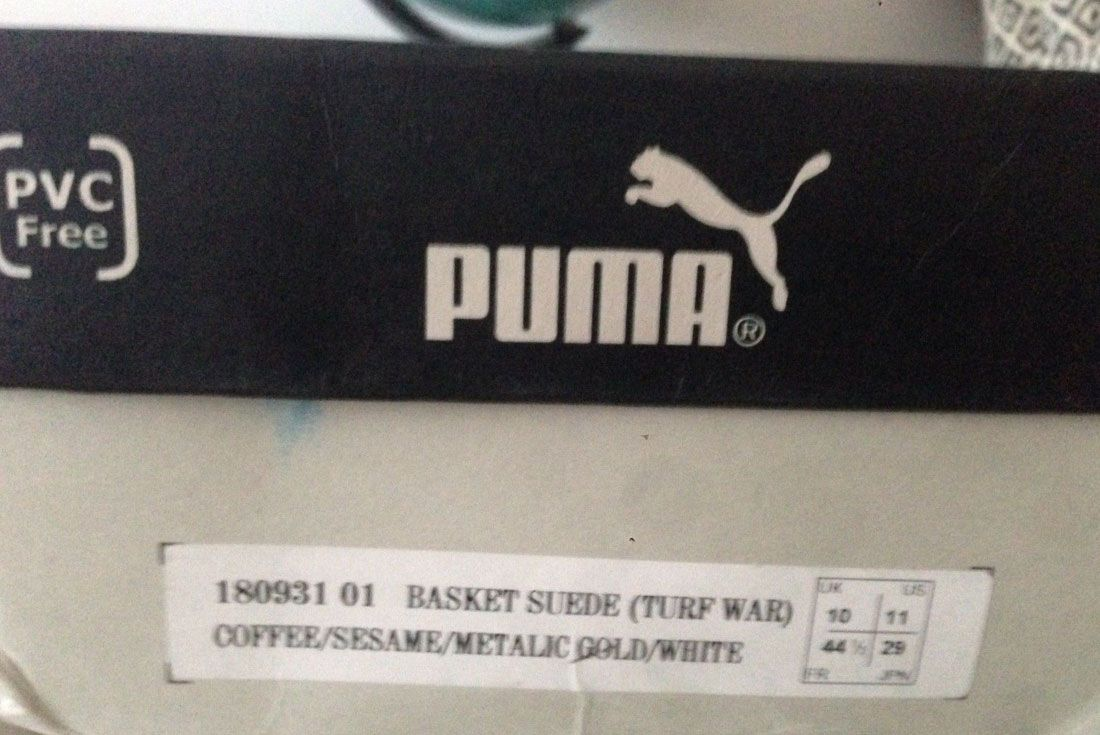Cabra sarcoma camisa  Ultra-Rare Banksy 'Turf War' PUMA Clyde Colab From 2003 on eBay - Sneaker  Freaker