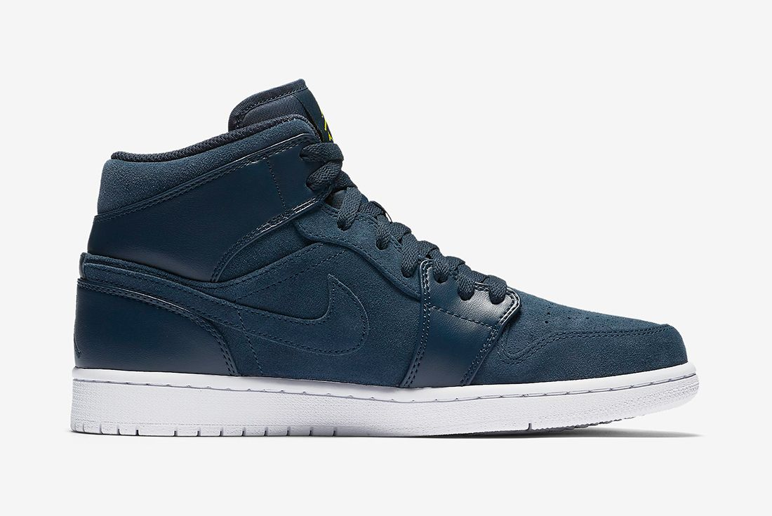 Air Jordan 1 Mid Armory Navy6