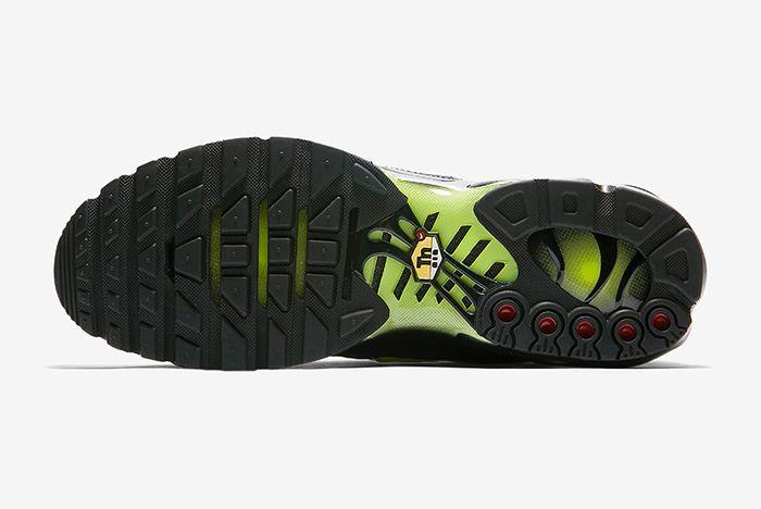 Nike Air Max Plus Night Ops 5