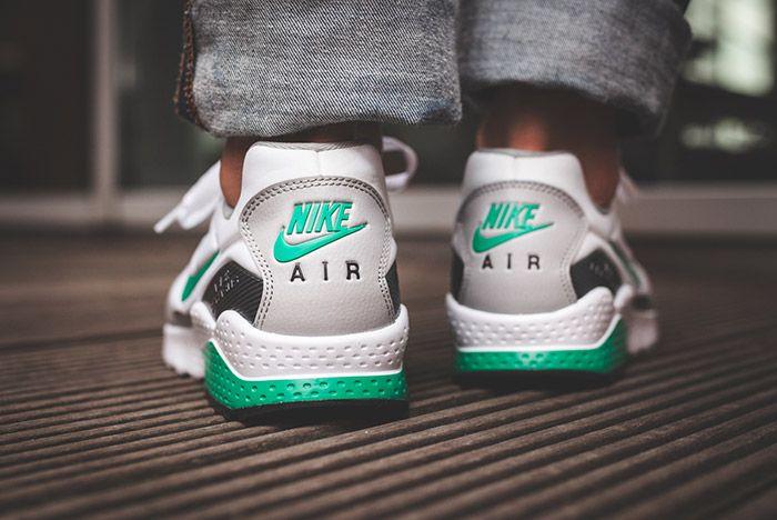 Nike Air Zoom Pegasus 92 White Stadium Green 2