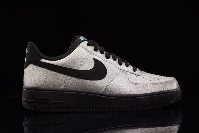 Nike Air Force 1 Lv8 Metallic Silver 1