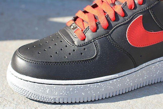 Nike Air Force 1 Black Toe 1