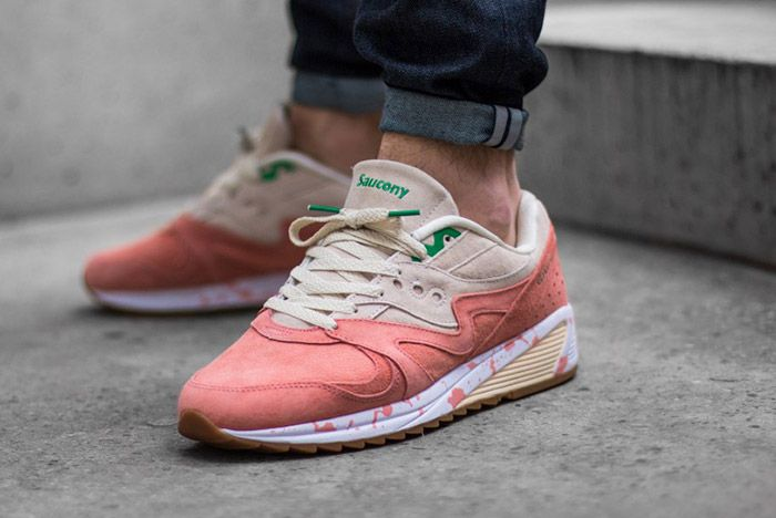 Saucony Grid 8000 Lobster Onfoot 1