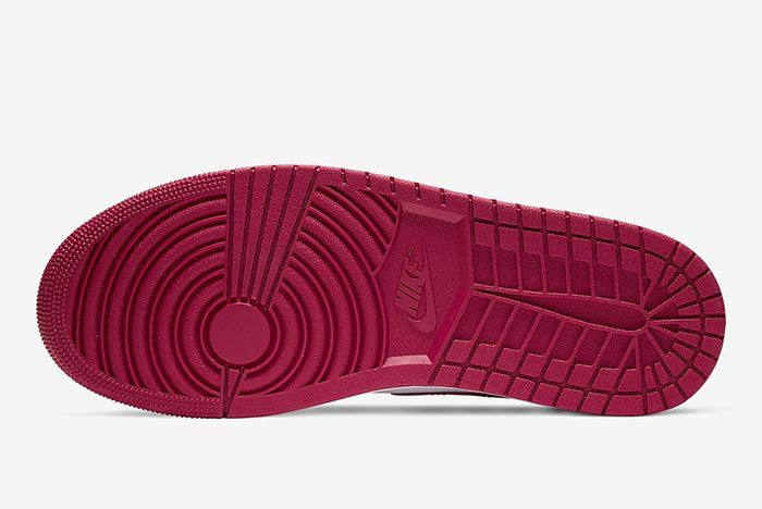 Air Jordan 1 Bred Toe 554724 066 Sole Shot