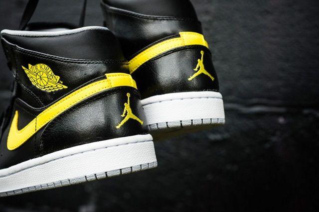Air Jordan 1 Mid Vibrant Yellow 6