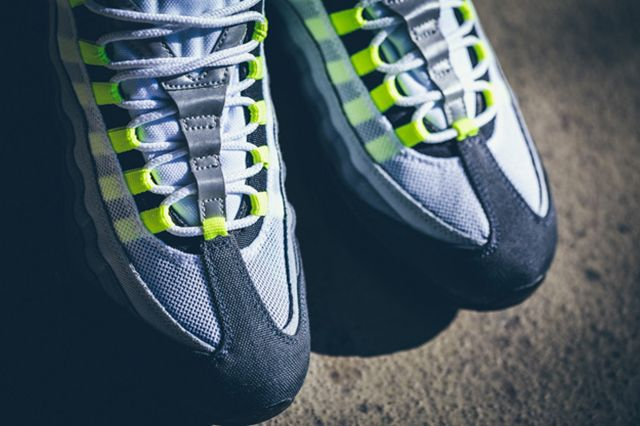Nike Air Max 95 Patch Neon 7