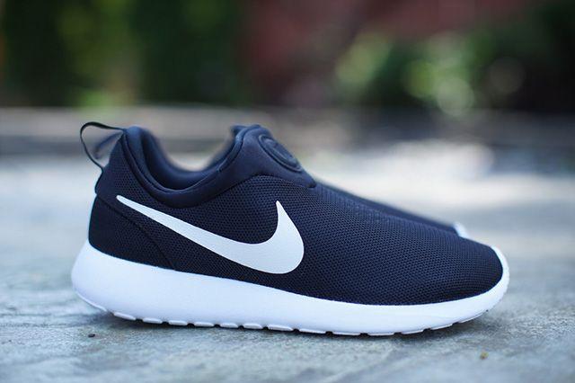 Nike Roshe Run Slip On Monochrome 1