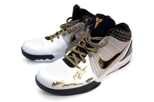 Nike Kobe 4 Signed 01 1
