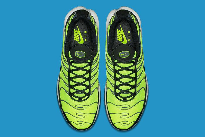 Nike Air Max Plus Scream Green 3