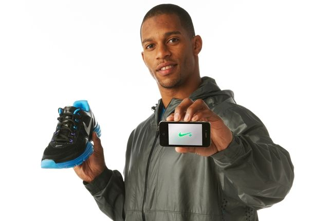 Nike Innovation Summit Victor Cruz 22 Feb12 8060 2