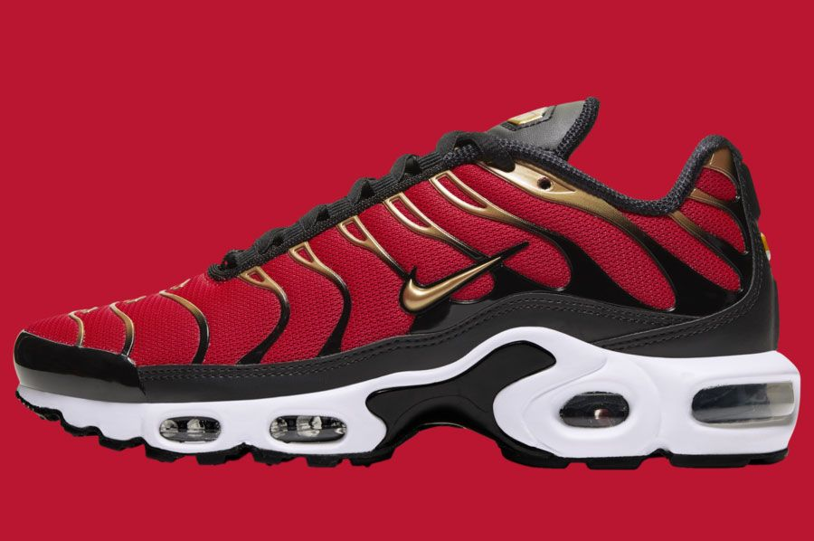 Nike Air Max Plus University Red Metallic Gold Cu4919 600 Lateral
