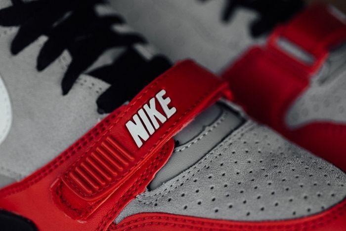 Nike At1 Wolf Grey Uni Red Sneak Politics Bump 2