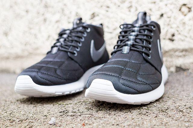 Nike Rosherun Mid Black Stitch