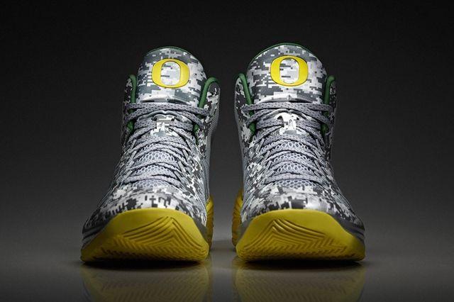 Nike Ducks Hoyas Bball Hyper Duck Toe