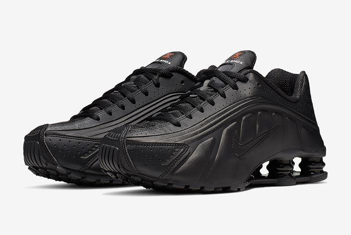 Nike Shox R4 Black Orange Pair