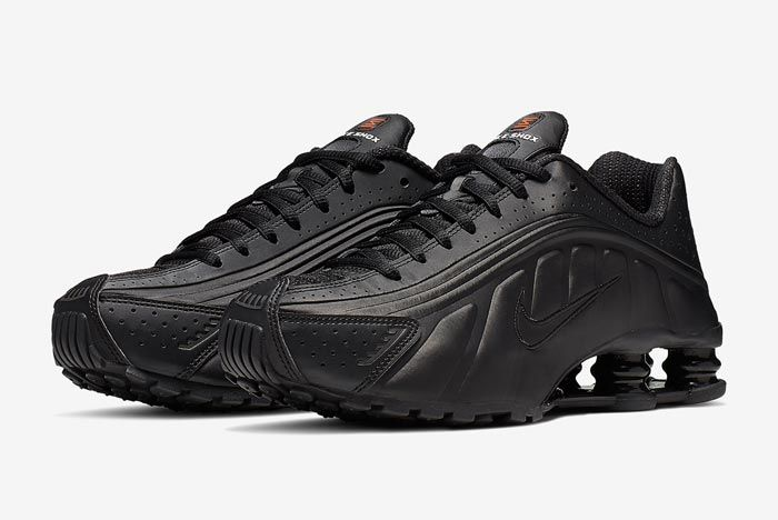 Nike Shox R4 Black Orange Pair