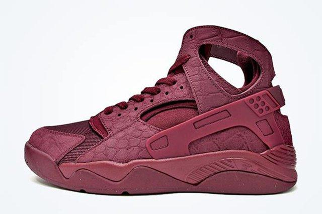 Nike Air Flight Huarache Burgundy 3