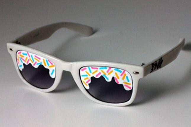 Pins Glasses 1