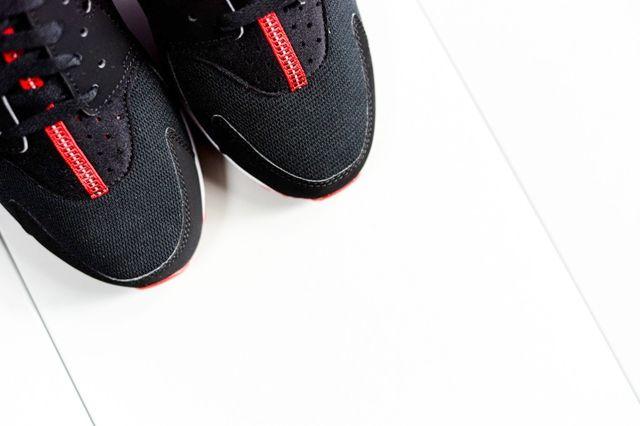 Nike Huarache Black Uni Red Bumper 1