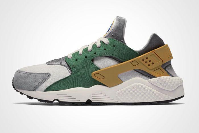 Nike Air Huarache Pine Green Gold Leaf Thumb