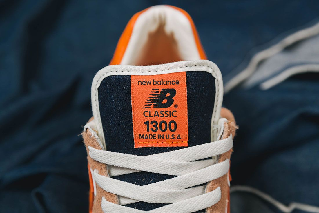 Up There New Balance M1300Lv Levis Tongue Close