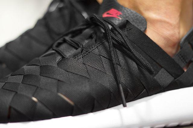 Nike Roshe Run Woven– Fuchsia Force 21