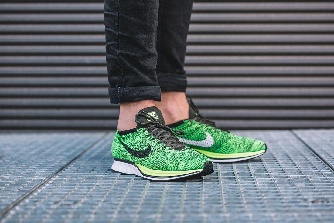 Nike Flyknit Racer Volt Sequoia 1