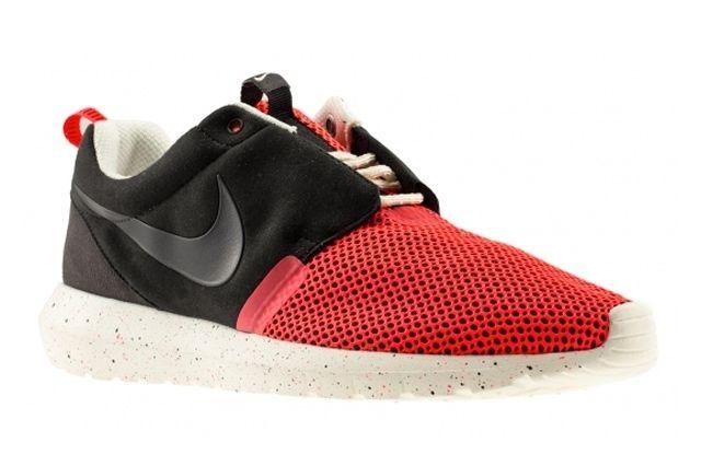 Nike Roshe Run Natural Motion Black Red 1