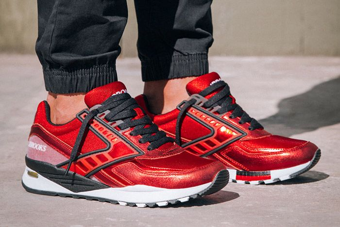 Brooks Heritage Galactic Pack Red 1