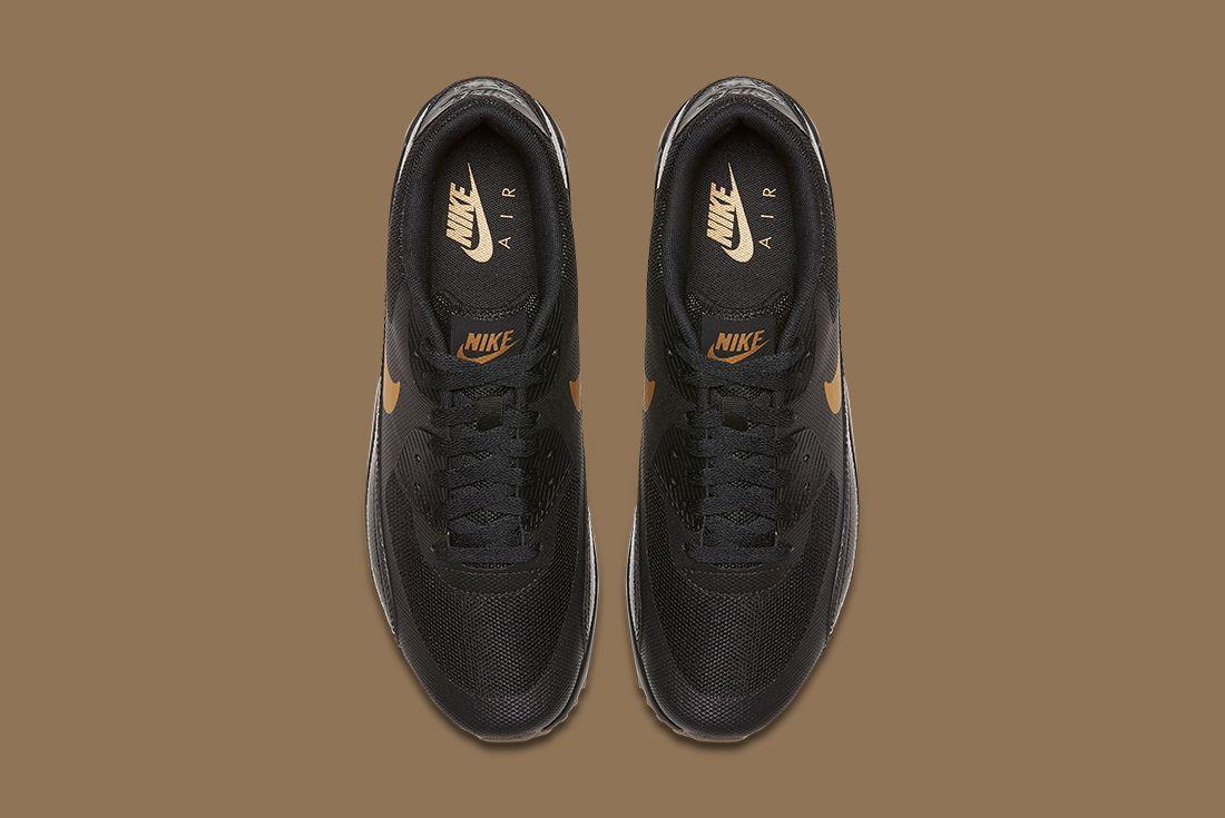 Nike Black Gold Pack 12