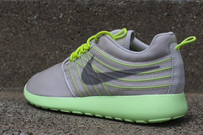 Nike Roshe Run Barely Volt Reverse Angle 1