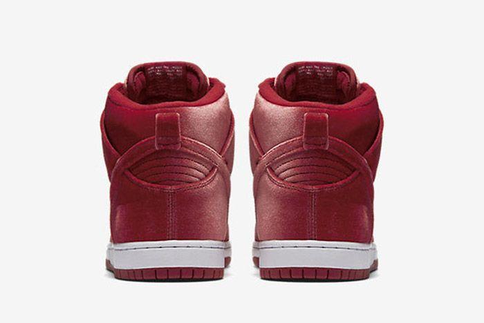 Nike Sb Dunk High Red Santa 2