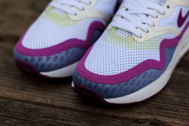 Nike Wmns Air Max 1 Breeze Bright Grape 2