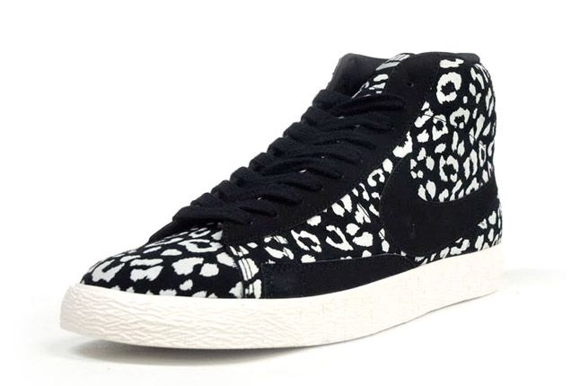 Nike Blazer Mid Black Leopard Quater Front 1