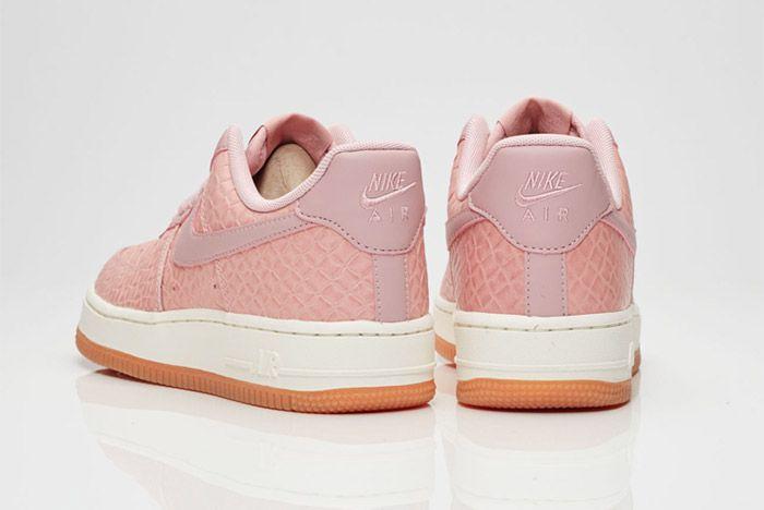 Nike Air Force 1 07 Wmns Pink Glaze 3