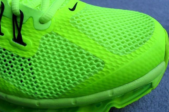 Nike Air Max 2013 Volt Toe Detail 1