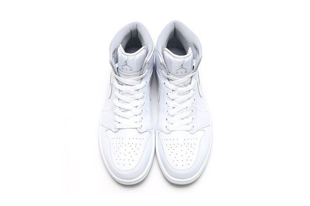Air Jordan 1 Mid White Wolf Grey 3
