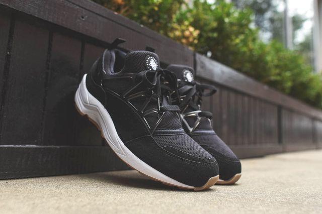 Nike Air Huarache Light Black Gum 1