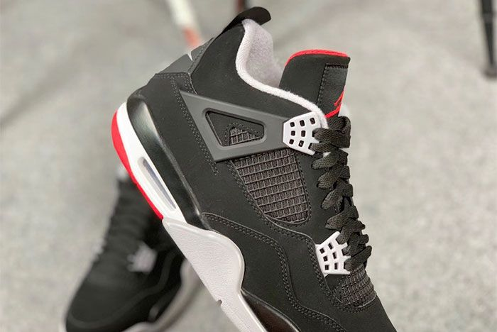 Air Jordan 4 Bred Up Close2 Side Shot