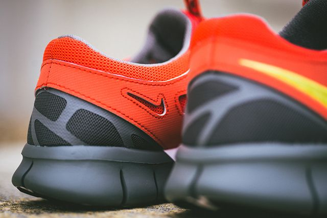 Nike Free Run 2 Light Crimson 4
