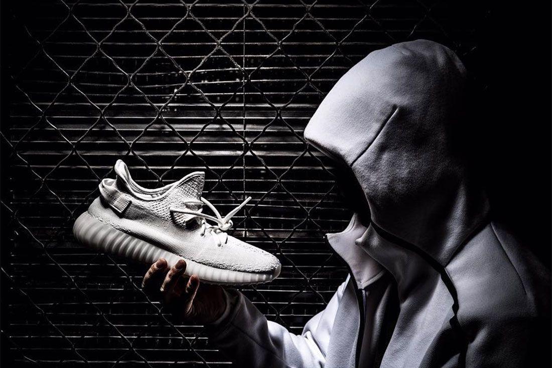 Adidas Yeezy Boost 350 V2 Triple White3