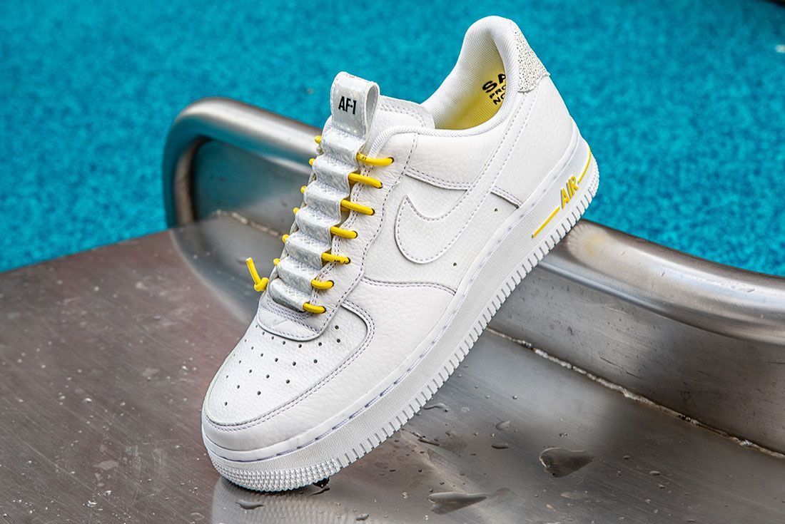 Nike Air Force 1 Womens Refective Black Side