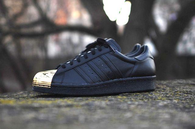 Adidas Originals Superstar 80 Metal Toe Black Gold 2