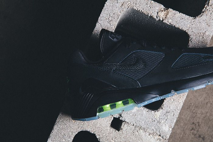 Nike Air Max 180 Black Volt 2