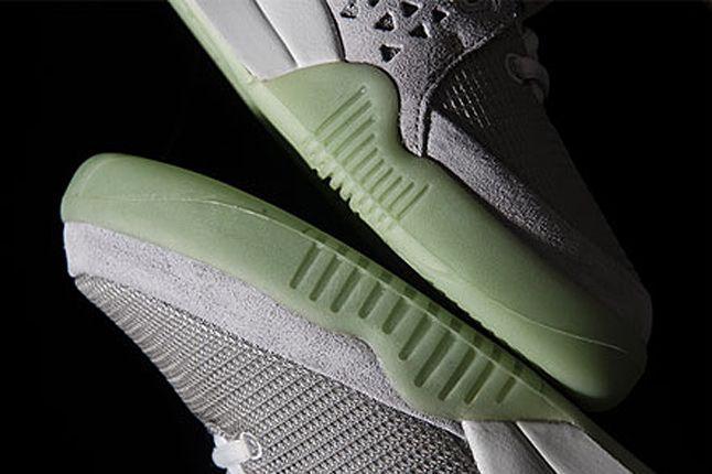 Nike Air Yeezy 2 09 1