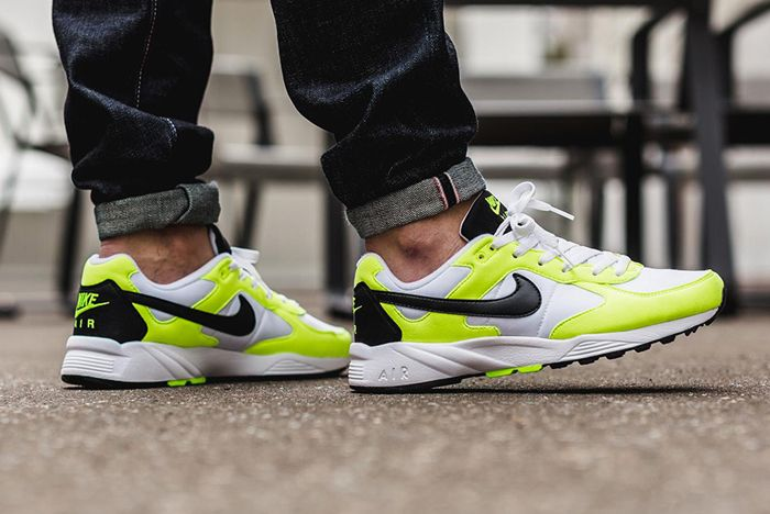 Nike Air Icarus Neon 1