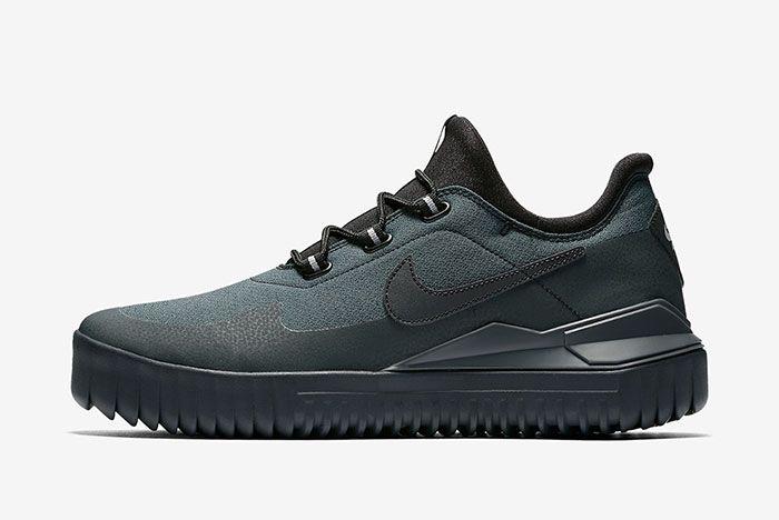 Nike Air Wild Black 5